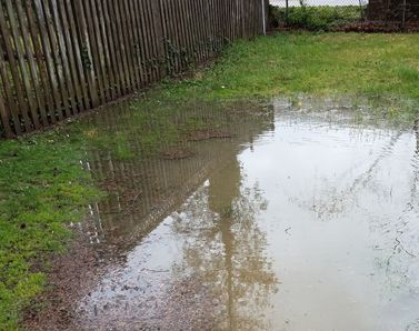 Artificial-grass-has-excellent-drainage-capabilities---no-more-puddles